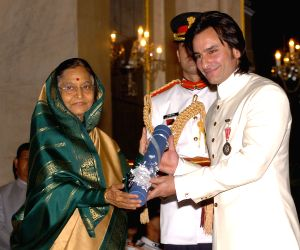 Actor Saif Ali Khan being felicitated with the Padma Shri, India's fourth highest civilian award by President Pratibha Patil in 2010. (File Photo: IANS/PIB)