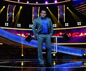 Salman Khan launches Dus Ka Dum TV show