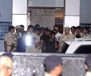 Salman at Mumbai Airport