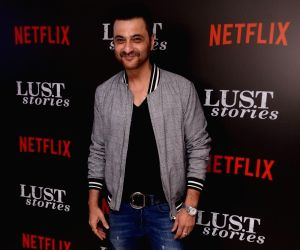 'Bedhab' conveys a beautiful message: Sanjay Kapoor