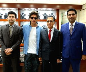 "Inauguration of ""Kalyan Jewellers"" showroom - Shah Rukh Khan"