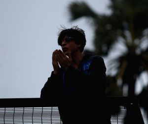 Shah Rukh Khan greets his fans on Eid-ul-Adha
