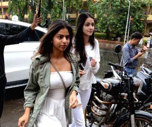 Suhana, Ananya and Tiger seen at a restaurant