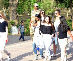Gauri Khan, Suhana Khan visit Taj Mahal
