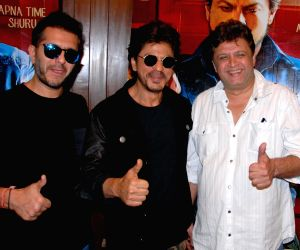 """Shah Rukh Khan promotes """"Raees"""" in Punjab"""