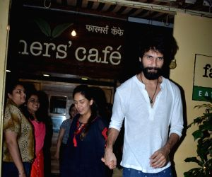Shahid Kapoor and Mira Rajput seen at a restaurant