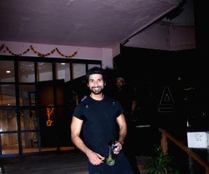 Shahid Kapoor seen at a Bandra gym
