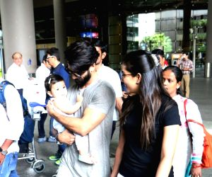Shahid, Mira and daughter Misha Kapoor spotted at airport
