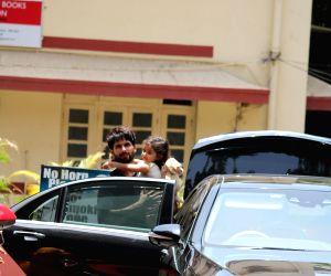 Shahid Kapoor, Misha Kapoor, Mira Rajput seen in Bandra