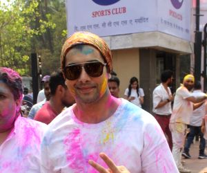 Holi 2018: Take a look how Bollywood celebrated their Holi this year!