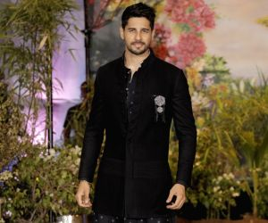 Sidharth Malhotra urges Modi to strengthen animal protection laws