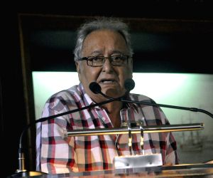 Soumitra Chatterjee speaks up for Kolkata medical students on hunger strike