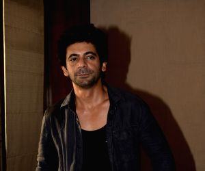Had to unlearn a lot for 'Pataakha', says Sunil Grover