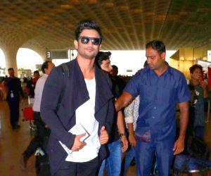 Sushant Singh Rajput at airport