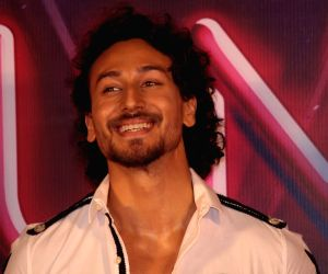 10 Interesting Facts about Tiger Shroff !!
