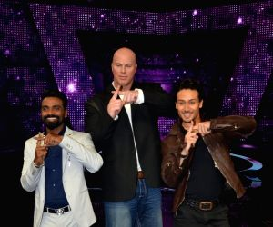 Promotion of film A Flying Jatt on the sets of dance reality show Dance+ season 2