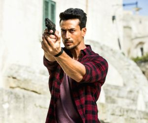 War: Tiger Shroff performed parkour on top of 100 houses, says Siddharth Anand