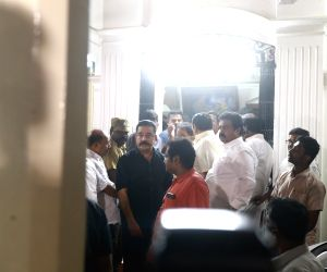 Kamal Haasan meets Karunanidhi