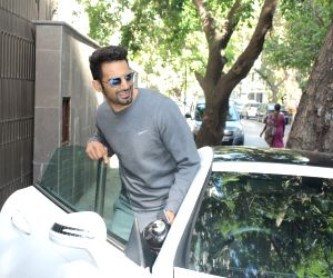 Upen Patel seen at a gym