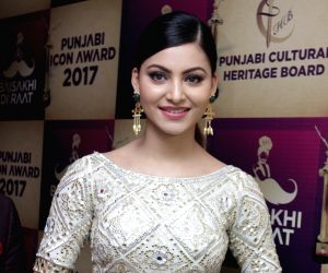 actor-urvashi-rautela-during-punjabi-icon-awards