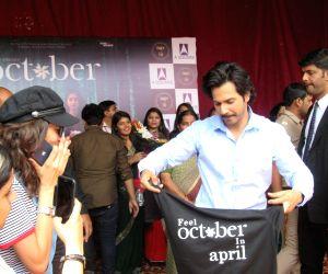 """October"""" promotions - Varun Dhawan visits Lakshmibai College"""
