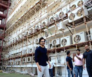 Varun Dhawan greets fans
