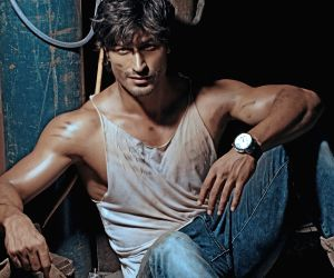 Vidyut Jammwal all set to start Hollywood journey; associates with talent management agency Wonder Street