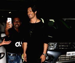 Vidyut Jammwal spotted at airport