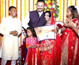 Vivek Oberoi attend wedding ceremony of acid attack survivor, Lalita Bansi