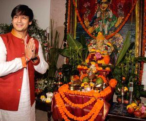 : Mumbai: Vivek Oberoi celebrate Ganesh Chaturthi