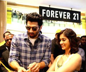 Aditya Roy Kapur, Ileana D'Cruz inaugurate store in Bengaluru