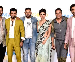 "IMAX trailer and poster launch of film ""Gold"" - Akshay Kumar, Mouni Roy, Vineet Kumar Singh, Amit Sadh, Kunal Kapoor and Sunny Kaushal"