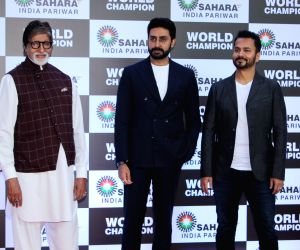 Amitabh Bachchan and Abhishek Bachchan's shoot schedules postponed, BMC seals Bachchan houses as fans do puja for speedy recovery