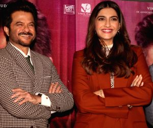 Sonam Kapoor Ahuja wishes her parents 36th marriage anniversary