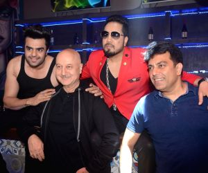 "Promotion of film ""Baa Baaa Black Sheep"" - Anupam Kher, Maniesh Paul, Mika Singh and Vishwas Pandya"