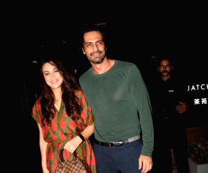 Preity Zinta and Arjun Rampal seen at a restaurant