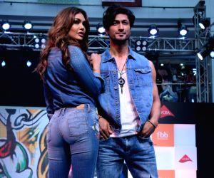 """FBB Fashion Hub"""" - Esha Gupta and Vidyut Jamwal"""