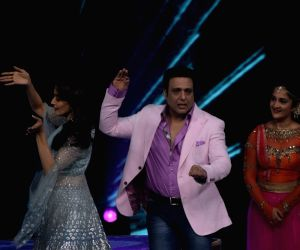 "Govinda, Madhuri on the sets of ""Dance Deewane"