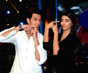 Promotion of film Mohenjo Daro on the sets of dance reality show Dance + 2
