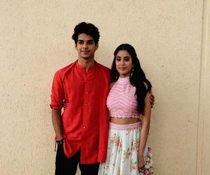 India's Best Dramebaaz Season 2 - Janhvi Kapoor and Ishaan Khatter