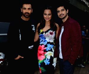 Promotion of film Force 2 on the sets of Comedy Nights Bachao Taaza