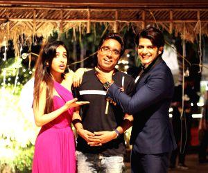 "Wrap up of film ""Hume Tumse Pyaar Kitna"" - Karanvir Bohra, Priya Banerjee and Lalit Mohan"