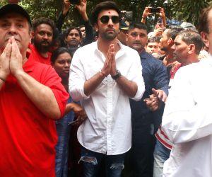 Rishi Kapoor bid adieu to Lord Ganesha