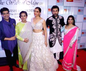 "Red carpet of ""The Walk of Mijwan"" - Ranbir Kapoor, Deepika Padukone, Shabana Azmi and Manish Malhotra"