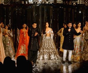 Salman, Katrina dazzle as show stoppers for Manish Malhotra