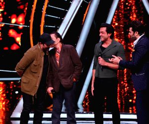 "Indian Idol 10"" - Sunny Deol, Dharmendra and Bobby Deol"