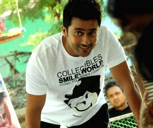 ": (231115) Hyderabad: Suriya and Amala Paul starring movie ""Memu"" stills. Source : TS_RM"
