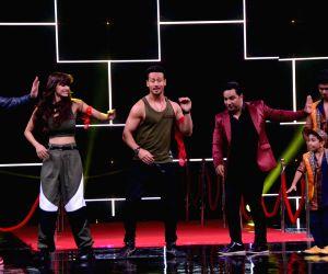"High Fever Dance Ka Naya Tevar"" - Tiger Shroff , Disha Patani and Ahmed Khan"