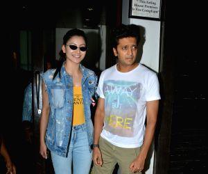 Urvashi Rautela and Riteish Deshmukh seen at Mumbai's Bandra