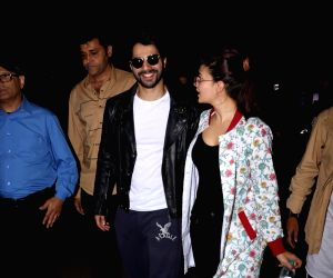 Varun Dhawan and Jacqueline Fernandez spotted at airport